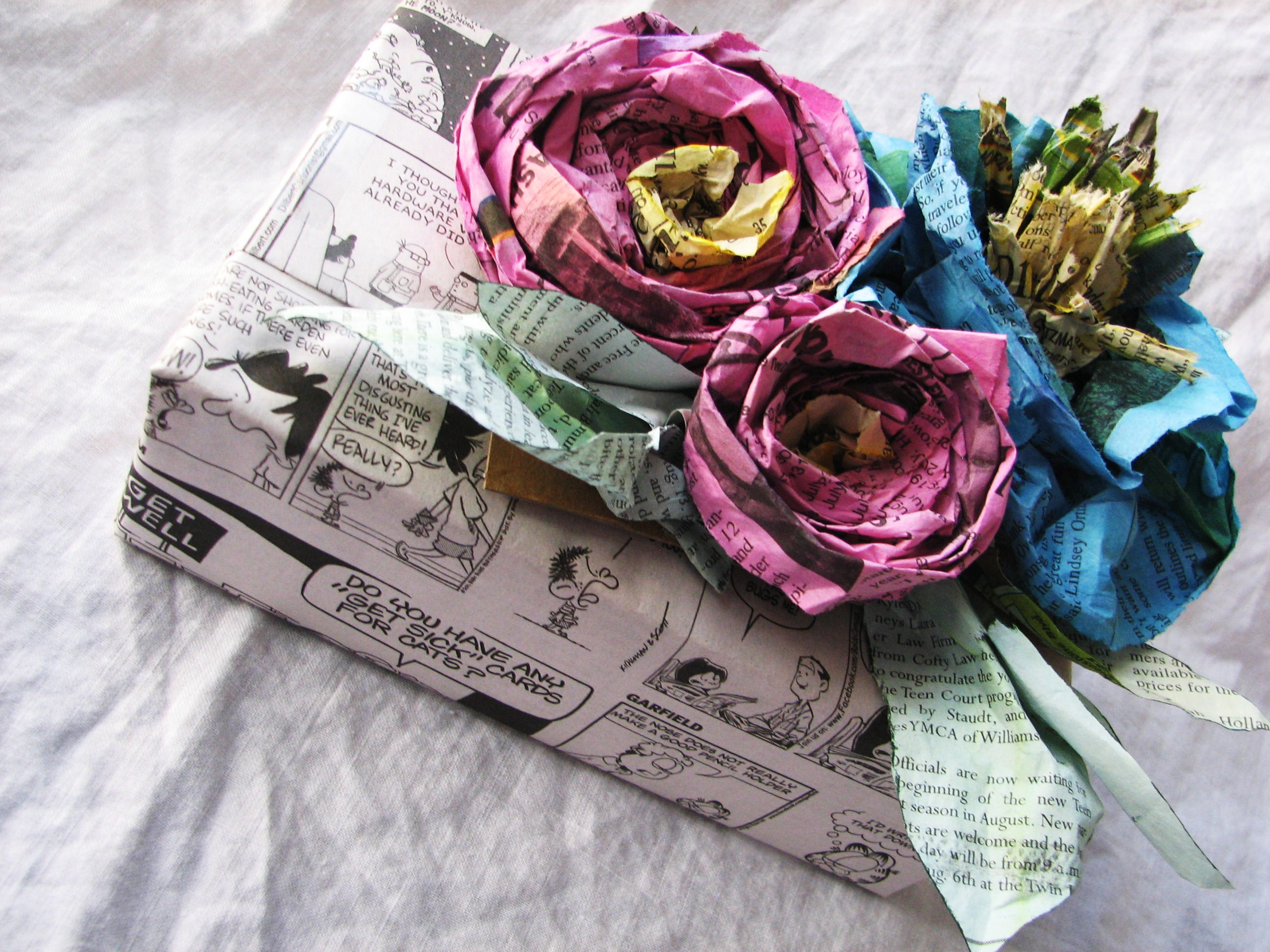 Handmade Dyed Recycled Newspaper Flower Tutorial :: Blue, Purple & Scarlet